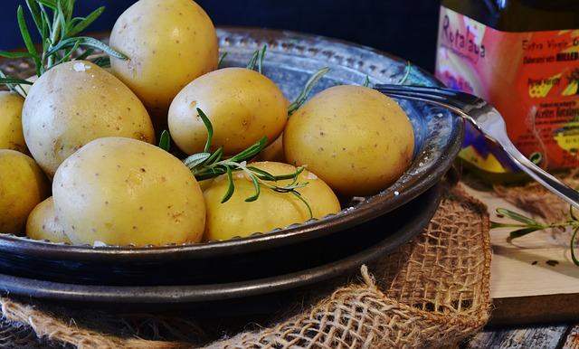 zemiaky na tanieri.jpg