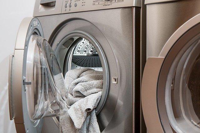 Oblečenie v práčke.jpg